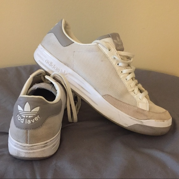newest a8c8f a07a4 Adidas Men s Rod Laver Tennis Shoe